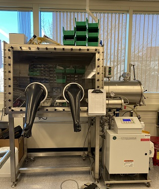 LC Technologies Glove Box